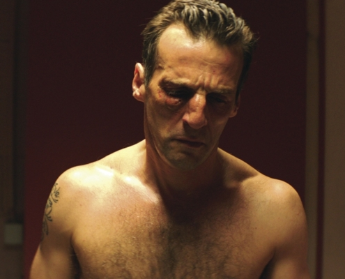 Matthieu Kassowitz au visage amoché dans le film Sparring