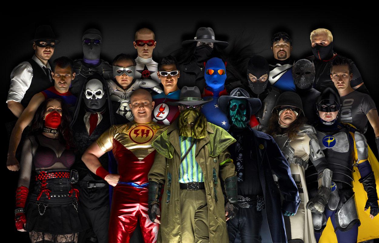"""Des """"gens ordinaires"""" déguisés en superhéros du quotidien pour le"""
